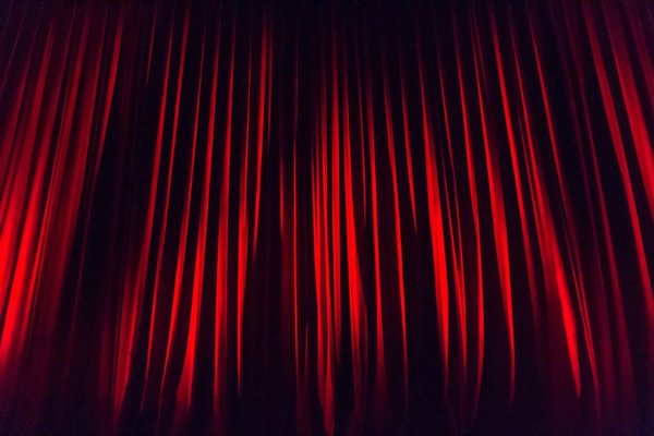 Stage curtain 660078 1280