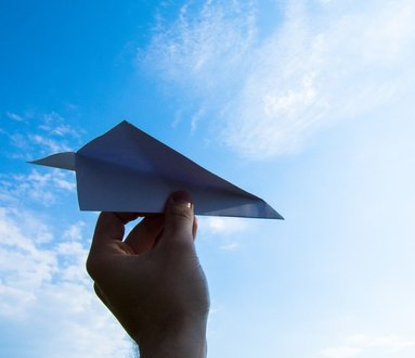 Aeroplanini di carta e gara di volo